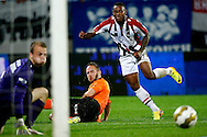Onderwerp/Subject: Willem II - Jupiler League<br /> Reklame:  <br /> Club/Team/Country: <br /> Seizoen/Season: 2013/2014<br /> FOTO/PHOTO: Terell ONDAAN (R) of Willem II failing to score. (Photo by PICS UNITED)<br /> <br /> Trefwoorden/Keywords: <br /> #04 #20 $94 &plusmn;1372506528100<br /> Photo- &amp; Copyrights &copy; PICS UNITED <br /> P.O. Box 7164 - 5605 BE  EINDHOVEN (THE NETHERLANDS) <br /> Phone +31 (0)40 296 28 00 <br /> Fax +31 (0) 40 248 47 43 <br /> http://www.pics-united.com <br /> e-mail : sales@pics-united.com (If you would like to raise any issues regarding any aspects of products / service of PICS UNITED) or <br /> e-mail : sales@pics-united.com   <br /> <br /> ATTENTIE: <br /> Publicatie ook bij aanbieding door derden is slechts toegestaan na verkregen toestemming van Pics United. <br /> VOLLEDIGE NAAMSVERMELDING IS VERPLICHT! (&copy; PICS UNITED/Naam Fotograaf, zie veld 4 van de bestandsinfo 'credits') <br /> ATTENTION:  <br /> &copy; Pics United. Reproduction/publication of this photo by any parties is only permitted after authorisation is sought and obtained from  PICS UNITED- THE NETHERLANDS