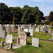 NLD/Huizen/20050601 - Begraafplaats Huizen aan de Naarderstraat