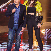 NLD/Hilversum/20160122 - 6de live uitzending The Voice of Holland 2016, Martijn Krabbe en Maan