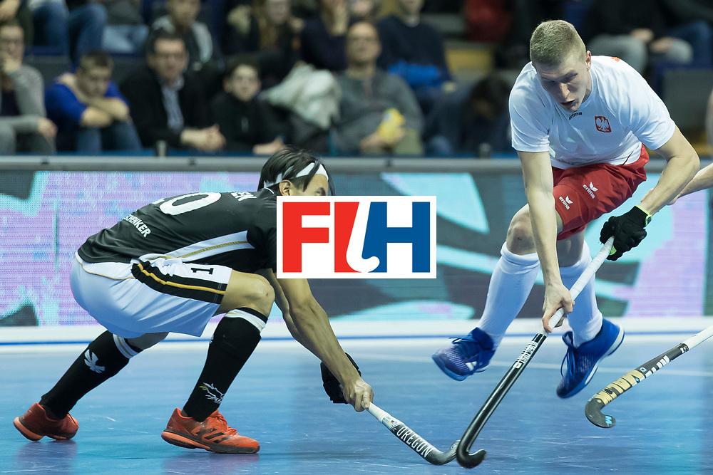 Hockey, Seizoen 2017-2018, 08-02-2018, Berlijn,  Max-Schmelling Halle, WK Zaalhockey 2018 MEN, Poland - Germany 3-6, NGUYEN Dan (GER) en