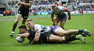 Tommy Makinson of St Helens scores the try against Hull FC during the Betfred Super League match at the Dacia Magic Weekend at St. James's Park, Newcastle<br /> Picture by Stephen Gaunt/Focus Images Ltd +447904 833202<br /> 20/05/2017