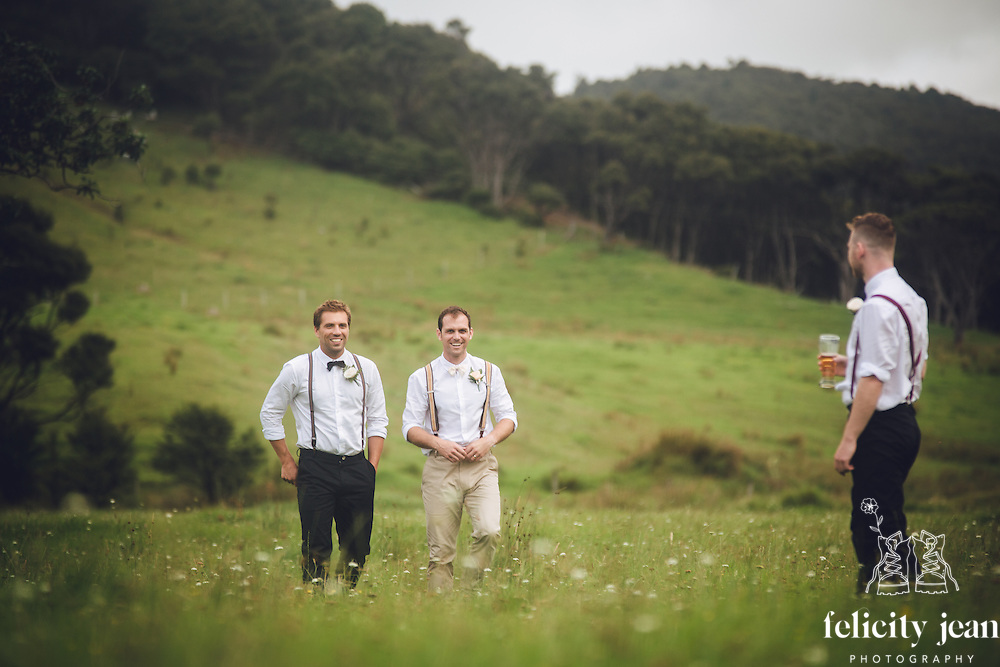 karen & marks wedding at tangiaro retreat port Charles on the coromandel peninsula photography by felicity jean photography
