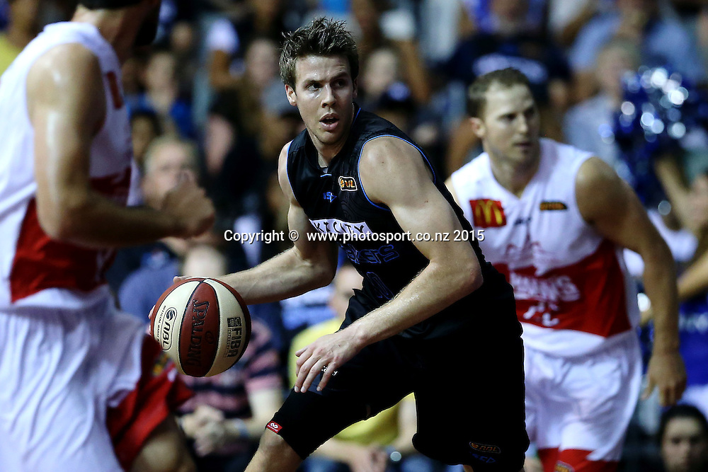 Tom Abercrombie of the Breakers in action. 2014/15 ANBL, SkyCity Breakers vs Wollongong Hawks, North Shore Events Centre, Auckland, New Zealand. Thursday 8 January 2015. Photo: Anthony Au-Yeung / www.photosport.co.nz