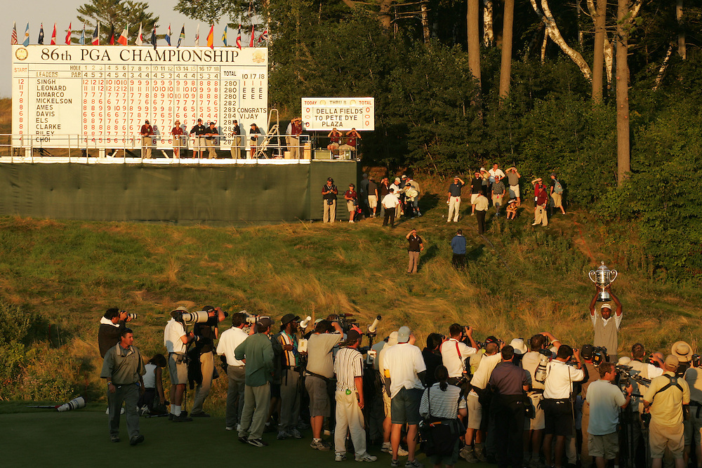 Vijay Singh..2004 PGA Championship.Final Round.Whistling Straits.Haven, WI.Sunday, August 15 2004..photograph by Darren Carroll