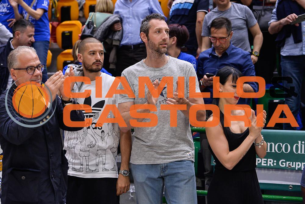 Massimo Chessa, Manuel Vanuzzo<br /> Banco di Sardegna Dinamo Sassari - Dolomiti Energia Aquila Basket Trento<br /> Legabasket Serie A LBA Poste Mobile 2016/2017<br /> Playoff Quarti Gara3<br /> Sassari 16/05/2017<br /> Foto Ciamillo-Castoria