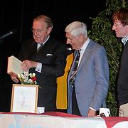 """NLD/St. Willibrord/20120427 - Boekpresentatie """"Op weg naar Alpe d'Huez"""" door Dries van Agt en zoon Frans,"""