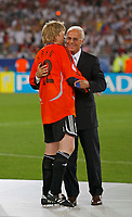 Photo: Glyn Thomas.<br />Germany v Portugal. Third Place Playoff, FIFA World Cup 2006. 08/07/2006.<br /> Franz Beckenbauer (R) congratulates Germany's Oliver Kahn.