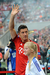 11.07.2015, Allianz Arena, M&uuml;nchen, GER, 1. FBL, FC Bayern Muenchen, Teampr&auml;sentation, im Bild Robert Lewandowski (FC Bayern Muenchen) bei der Allianz FC Bayern Team Presentation in der Allianz-Arena Muenchen, 11.07.2015, Foto: Stuetzle/ Eibner-Pressefoto // during the Teampresentation at the Allianz Arena in M&uuml;nchen, Germany on 2015/07/11. EXPA Pictures &copy; 2015, PhotoCredit: EXPA/ Eibner-Pressefoto/ Stuetzle<br /> <br /> *****ATTENTION - OUT of GER*****