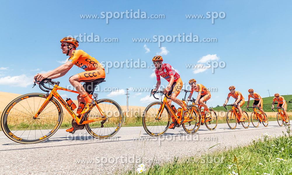 05.07.2017, Altheim, AUT, Ö-Tour, Österreich Radrundfahrt 2017, 3. Etappe von Wieselburg nach Altheim (226,2km), im Bild v.l.: Patryk Stosz (POL, CCC Sprandi Polkowice), Felix Grossschartner (AUT, CCC Sprandi Polkowice) // f.l.: Patryk Stosz (POL CCC Sprandi Polkowice) Felix Grossschartner (AUT CCC Sprandi Polkowice) during the 3rd stage from Wieselburg to Altheim (199,6km) of 2017 Tour of Austria. Altheim, Austria on 2017/07/05. EXPA Pictures © 2017, PhotoCredit: EXPA/ JFK