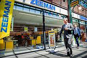 STEIN, 19-05-2020 , Koning bezoekt in Limburg ondernemers met contactberoepen <br /> <br /> Koning Willem Alexander tijdens een werkbezoek gebracht in Stein een werkbezoek gebracht aan ondernemers met contactberoepen. Het bezoek vond plaats in het kader van de uitbraak van het coronavirus (COVID-19).<br /> <br /> King Willem Alexander paid a working visit to entrepreneurs with contact professions during a working visit in Stein. The visit took place in the context of the coronavirus outbreak (COVID-19).