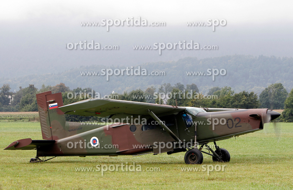 Slovenian army's Pilatus at training of parachuters, on September 21, 2005, in Lesce-Bled, Slovenia. (Photo by Vid Ponikvar / Sportal Images)