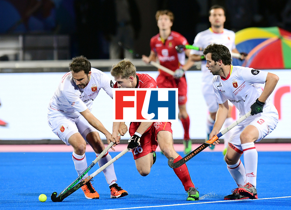 Odisha Men's Hockey World League Final Bhubaneswar 2017<br /> Match id:18<br /> Belgium v Spain<br /> Foto: Victor Wegnez (Bel) in dual with Marc Garcia (Esp) <br /> COPYRIGHT WORLDSPORTPICS FRANK UIJLENBROEK