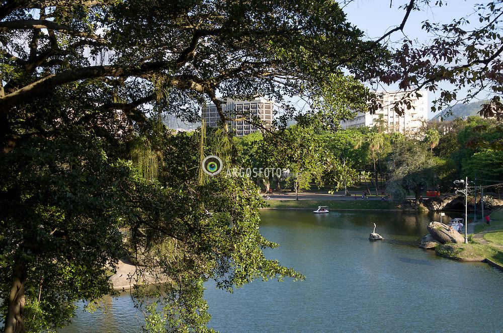Parque da Quinta da Boa Vista, antiga residencia da realeza. Um dos maiores parques urbanos da cidade. / Park Quinta da Boa Vista, former residence of royalty. One of the largest urban parks in the city. Rio de Janeiro, RJ - Brasil, 2013