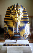 Tutankhmun (Tutankamen), king of Egypt,  reigned 1361-1352 BC. Gold and lapis lazuli funerary mask