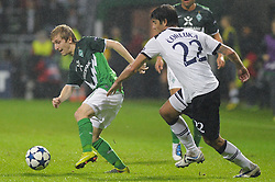 14.09.2010, Weserstadion, Bremen, GER, UEFA CL Gruppe A, Werder Bremen (GER) vs Tottenham Hotspur (UK), im Bild Marko Marin (Bremen #10), Vedran Corluka (Tottenham #22)   EXPA Pictures © 2010, PhotoCredit: EXPA/ nph/  Frisch+++++ ATTENTION - OUT OF GER +++++