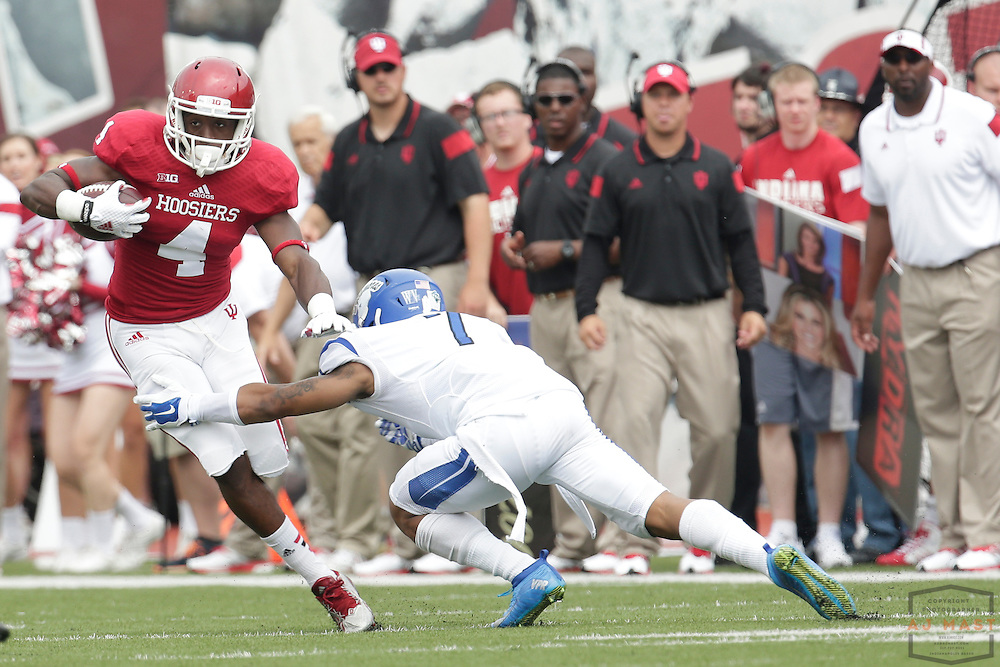 Indiana Hoosiers wide receiver Simmie Cobbs (4) as the Indiana Hoosiers played the Indiana State Sycamores in a college football game in Bloomington, IN.