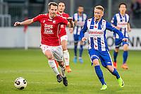 UTRECHT - FC Utrecht - SC Heerenveen , Voetbal , Eredivisie , Seizoen 2016/2017 , Stadion Galgenwaard , 05-02-2017 ,   SC Heerenveen speler Sam Larsson  (r) in duel met FC Utrecht speler Wout Brama (l)