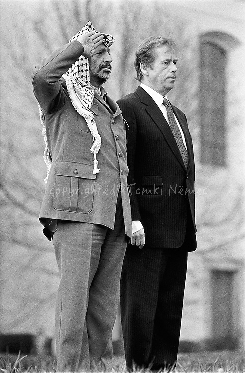 Lany, 12 April 1990 - Presidential Residence.Welcome prior to the official reception of PLO leader Yassir Arafat.