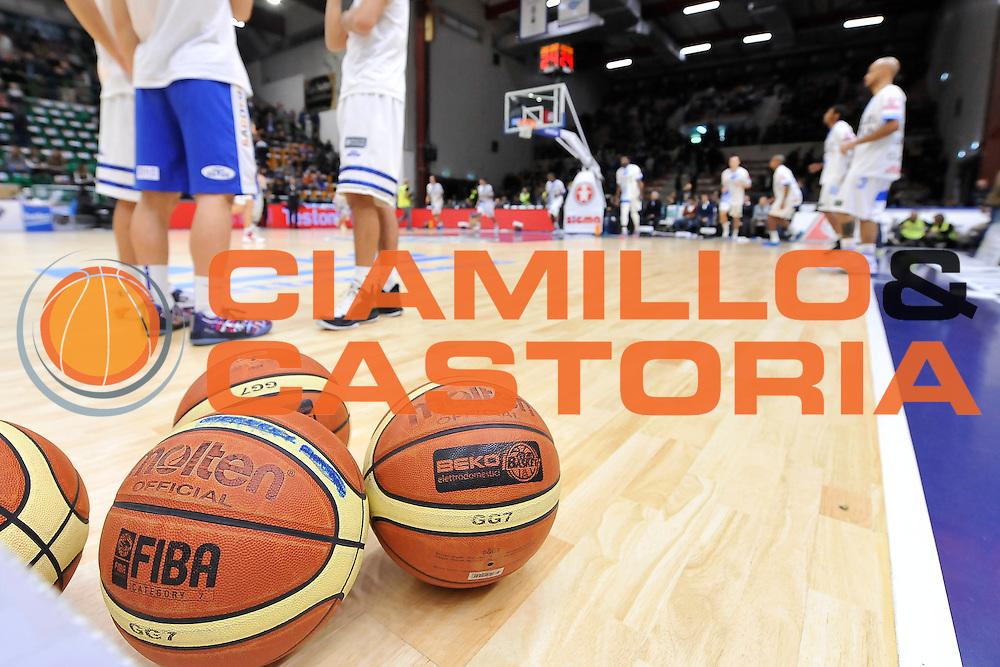 DESCRIZIONE : Campionato 2014/15 Dinamo Banco di Sardegna Sassari - Olimpia EA7 Emporio Armani Milano<br /> GIOCATORE : Pallone Molten Lega Basket Beko<br /> CATEGORIA : Panoramica<br /> SQUADRA : Dinamo Banco di Sardegna Sassari<br /> EVENTO : LegaBasket Serie A Beko 2014/2015<br /> GARA : Dinamo Banco di Sardegna Sassari - Olimpia EA7 Emporio Armani Milano<br /> DATA : 07/12/2014<br /> SPORT : Pallacanestro <br /> AUTORE : Agenzia Ciamillo-Castoria / Luigi Canu<br /> Galleria : LegaBasket Serie A Beko 2014/2015<br /> Fotonotizia : Campionato 2014/15 Dinamo Banco di Sardegna Sassari - Olimpia EA7 Emporio Armani Milano<br /> Predefinita :