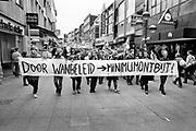 Nederland, Nijmegen, 1985Studentenactie, studentenprotest, in de jaren 80 en begin 90 .Demonstratie van studenten tegen de wet op de studiefinanciering en hervormingen in het wetenschappelijk onderwijsdoor minister Deetman. Die kreeg te maken met grote demonstraties van studenten na de verhoging van de collegegelden en het verkorten van de studieduur.Foto: Flip Franssen
