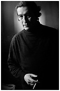 Gonzalo Contreras Fuentes (Santiago, 1958) escritor chileno, considerado uno de los autores más representativos de la nueva narrativa chilena de los noventa. Santiago de Chile, 2004. (©Alvaro de la Fuente/Triple)
