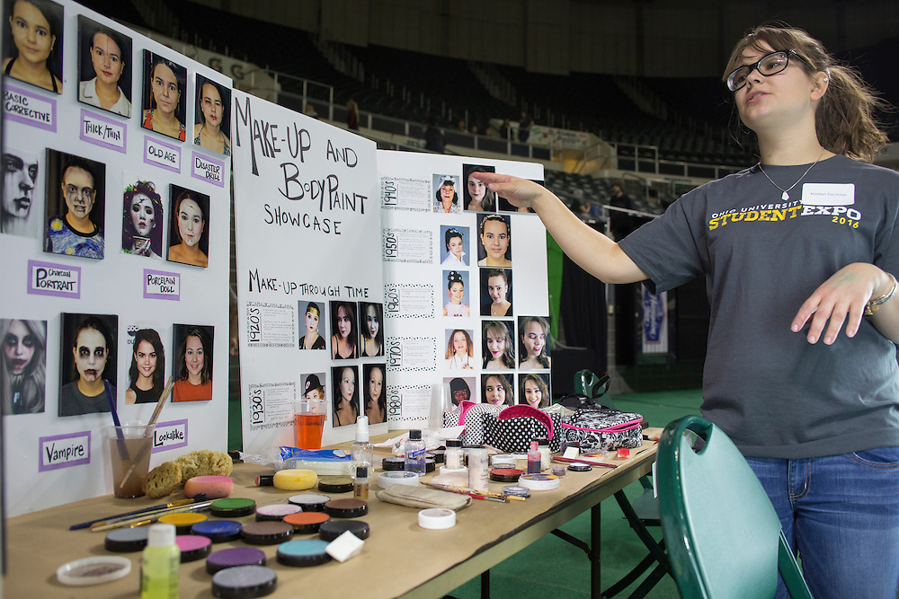 Kristen Fechtel, a senior studying scenic painting, presents her makeup and body paint showcase at the Student Expo in the Convocation Center on April 14, 2016. Fechtel said she has been doing makeup for fun for about a year. Photo by Emily Matthews