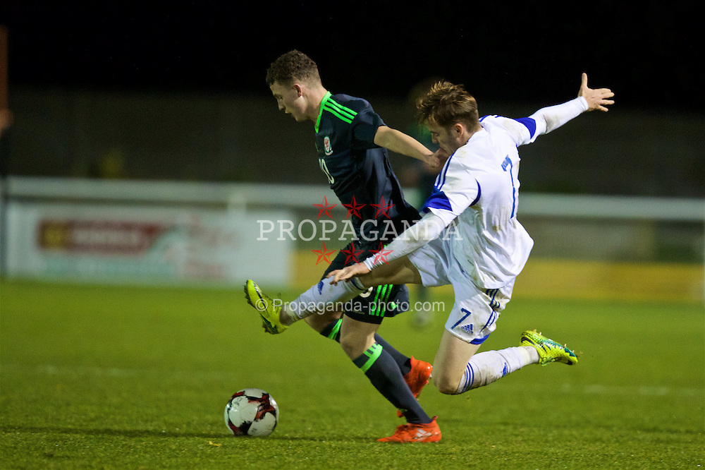BANGOR, WALES - Tuesday, November 15, 2016: Wales' Nathan Broadhead in action against Luxembourg's Eric Schmit during the UEFA European Under-19 Championship Qualifying Round Group 6 match at the Nantporth Stadium. (Pic by David Rawcliffe/Propaganda)
