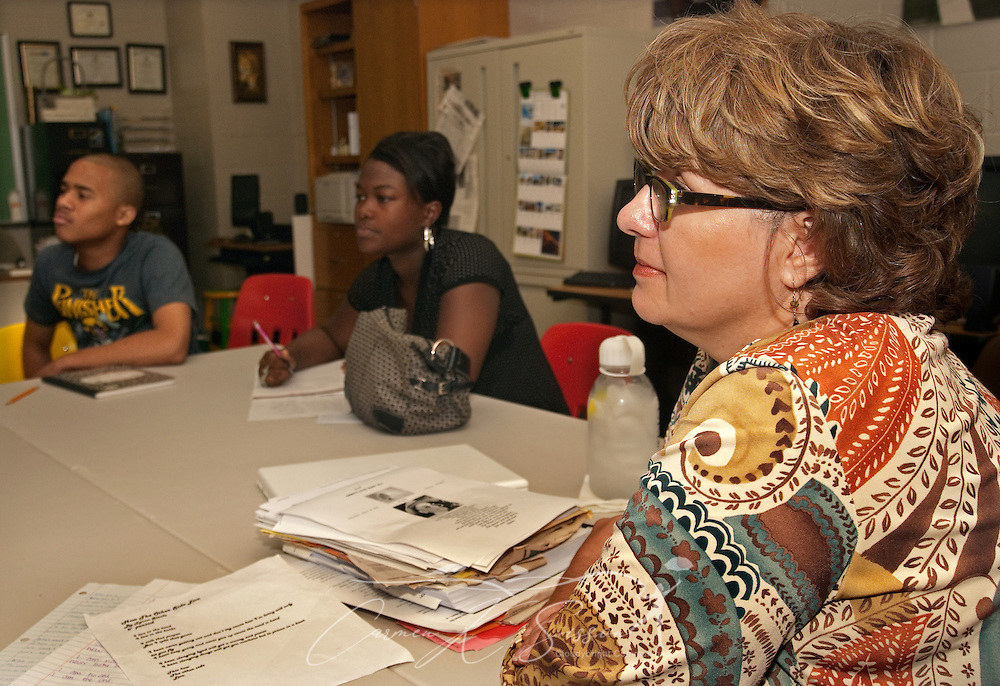 "McComb High School teacher Vickie Malone teaches her senior elective class, ""Local Cultures,"" Sept. 21, 2009, in McComb, Miss. The class focuses on civil rights issues, teaching the multiple perspectives involved in African-Americans' fight for freedom. Mississippi Senate Bill 2718, passed in 2006, mandates all kindergartners to 12th-graders to be exposed to civil rights education and tested on the subject matter. (Photo by Carmen K. Sisson/Cloudybright)"