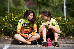 Chloe Hosking (AUS) and Anna Trevisi (ITA) chat before Ladies Tour of Norway 2018 Stage 1, a 127.7 km road race from Rakkestad to Mysen, Norway on August 17, 2018. Photo by Sean Robinson/velofocus.com