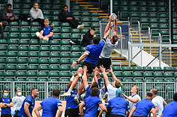 Elliott Stooke wins the ball at a lineout, Bath Rugby were allowed to start Stage Two of the Premiership Rugby return to play protocol - Mandatory byline: Patrick Khachfe/JMP - 07966 386802 - 06/08/2020 - RUGBY UNION - The Recreation Ground - Bath, England - Bath Rugby training