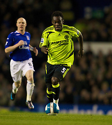 LIVERPOOL, ENGLAND - Thursday, April 17, 2008: Chelsea's Michael Essien in action against Everton during the Premiership match at Goodison Park. (Photo by David Rawcliffe/Propaganda)
