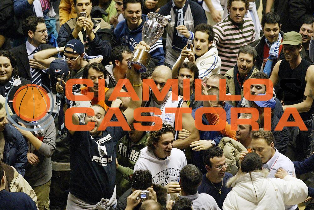 DESCRIZIONE : Forli Lega A1 2005-06 Coppa Italia Final Eight Tim Cup Carpisa Napoli Lottomatica Virtus Roma<br /> GIOCATORE : Morena Tifosi<br /> SQUADRA : Carpisa Napoli<br /> EVENTO : Campionato Lega A1 2005-2006 Coppa Italia Final Eight Tim Cup Finale<br /> GARA : Carpisa Napoli Lottomatica Virtus Roma<br /> DATA : 19/02/2006<br /> CATEGORIA : Esultanza<br /> SPORT : Pallacanestro<br /> AUTORE : Agenzia Ciamillo-Castoria/G.Cottini<br /> Galleria: Coppa Italia 2005-2006