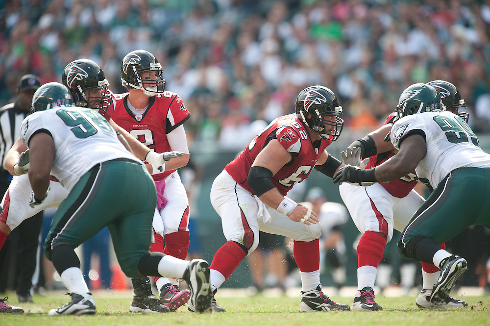 PHILADELPHIA - OCTOBER 17: Todd McClure #62 of the Atlanta Falcons blocks during the game against the Philadelphia Eagles on October 17, 2010 at Lincoln Financial Stadium in Philadelphia, Pennsylvania.The Eagles defeated the Falcons  31 to 17. (Photo by Rob Tringali) *** Local Caption *** Todd McClure