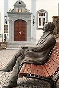 Goethe-Figur auf Bank vor dem Rathaus, Ilmenau, Thüringen, Deutschland   Goethe figure on bench in front of guildhall, Ilmenau, Thuringia, Germany