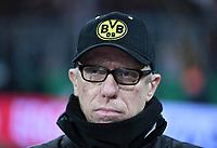 Fussball  DFB Pokal  Achtelfinale  2017/2018   FC Bayern Muenchen - Borussia Dortmund        20.12.2017 Trainer Peter Stoeger (Borussia Dortmund) nachdenklich