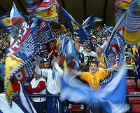 Fotball<br /> Foto: SBI/Digitalsport<br /> NORWAY ONLY<br /> <br /> Skottland v Norge<br /> 09.10.2004<br /> <br /> Scotland supporters cheer on their team.