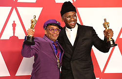 """Spike Lee, winner of the Best Adapted Screenplay Award for """"BlacKkKlansman"""" and Mahershala Ali, winner of the Best Actor In A Supporting Role Award for """"Green Book"""" at the 91st Annual Academy Awards (Oscars) presented by the Academy of Motion Picture Arts and Sciences.<br /> (Hollywood, CA, USA)"""