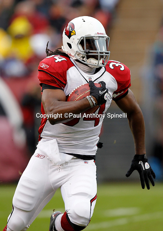 Arizona Cardinals running back Tim Hightower (34) runs the ball during the NFL week 17 football game against the San Francisco 49ers on Sunday, January 2, 2011 in San Francisco, California. The 49ers won the game 38-7. (©Paul Anthony Spinelli)