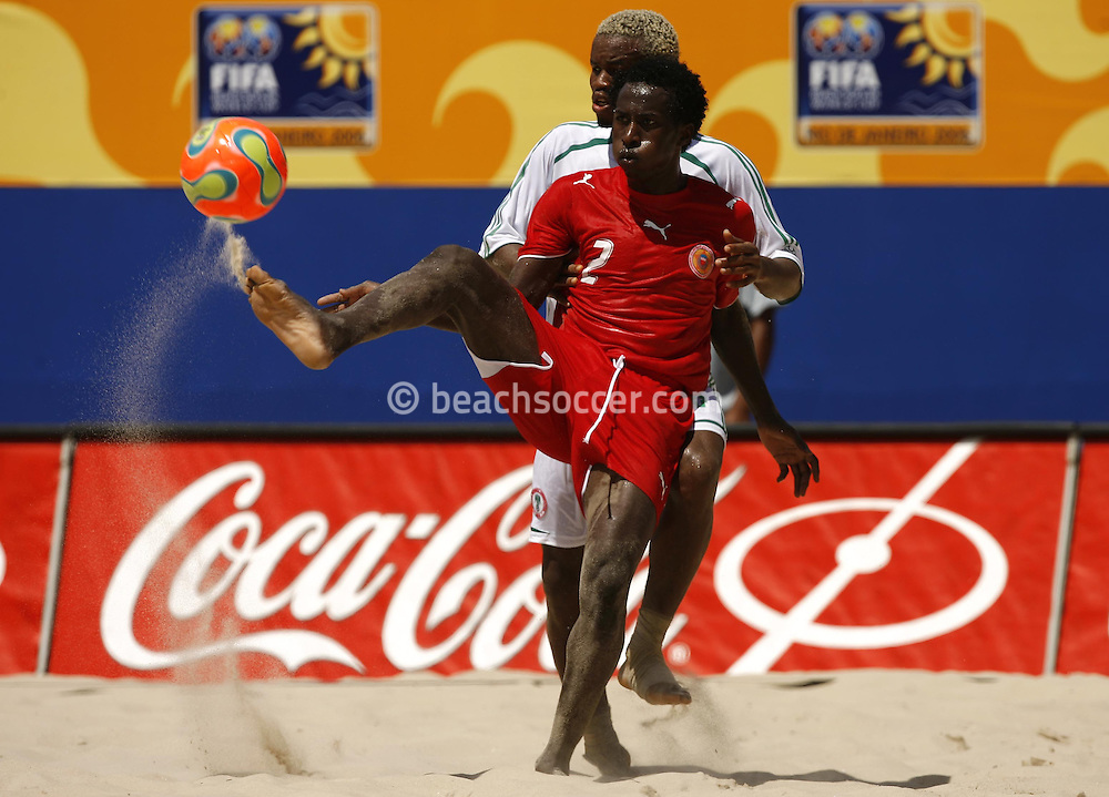 Football-FIFA Beach Soccer World Cup 2006 - Group D- Nigeria - Bahrain, Beachsoccer World Cup 2006. Bahrain's Omar - Rio de Janeiro - Brazil 06/11/2006. Mandatory credit: FIFA/ Manuel Queimadelos