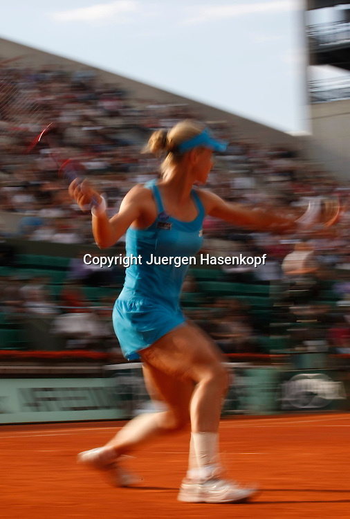 French Open 2010, Roland Garros, Paris, Frankreich,Sport, Tennis, ITF Grand Slam Tournament,Elena Dementieva (RUS), Mitzieher,Bewegungsunschaerfe,..Foto: Juergen Hasenkopf..
