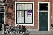 Nederland, Leiden, 29-9-2018Huisen die te koop aan het Rapenburg in het centrum van de stad, binenstad.Foto: Flip Franssen