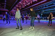 Mannheim. 03.11.17 | Eisdisco in der Eishalle.<br /> Neckarstadt. Leistungszentrum Eissport.<br /> Eisdisco in der Eislaufhalle.<br /> Zu Black, House 80er, 90er und aktuellen Charts über die Eisfläche tanzen, die neuesten Sprünge zeigen oder einfach Freunde treffen und mit ihnen Runden zu tollen Lichteffekten drehen.<br /> <br /> <br /> BILD- ID 22211 |<br /> Bild: Markus Prosswitz 03NOV17 / masterpress (Bild ist honorarpflichtig - No Model Release!)