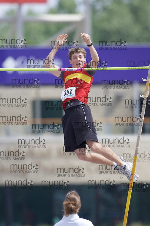 (London, Ontario}---04 June 2010) Adam Birosh of Chippewa - North Bay competing in the pole vault at the 2010 OFSAA Ontario High School Track and Field Championships. Photograph copyright Laura Barclay / Mundo Sport Images, 2010.