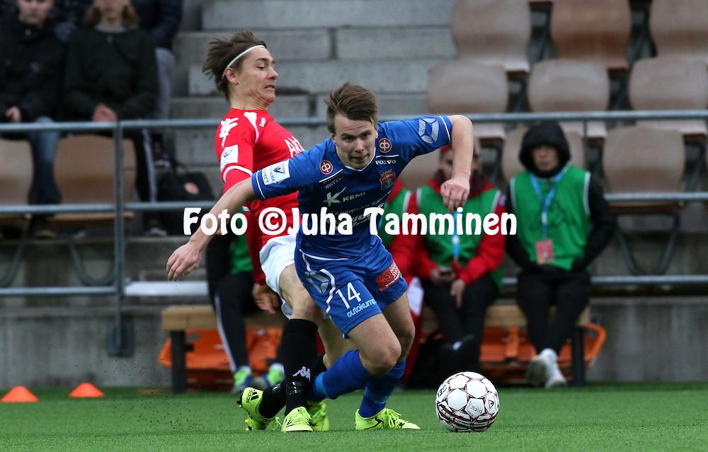 25.4.2016, Sonera Stadion, Helsinki.<br /> Veikkausliiga 2016.<br /> Helsingfors IFK - PS Kemi.<br /> Matias Ojala (PS Kemi) v Pekka Sihvola (HIFK).