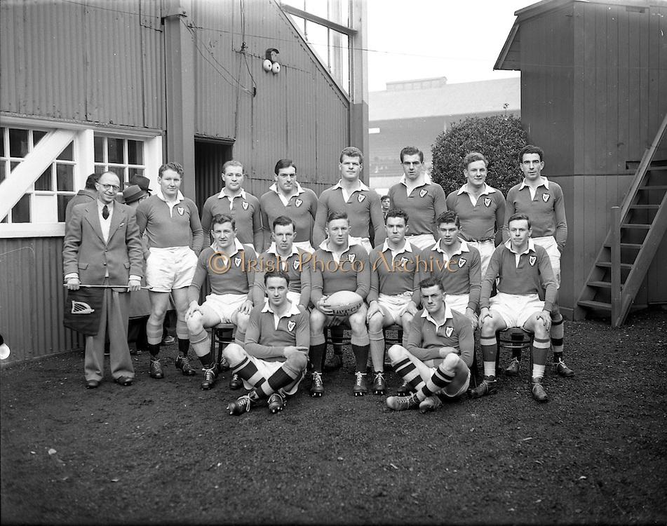 23/11/1952<br /> 11/23/1952<br /> 23 November 1952<br /> Interprovincial Rugby: Munster v Leinster at Lansdowne Road, Dublin. The Leinster team.