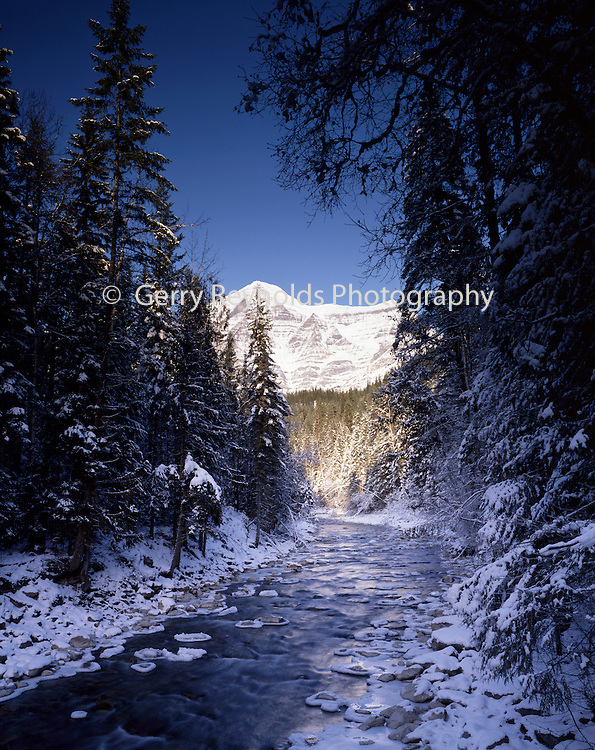 Mt. Robson, Jasper, Alberta, Canada, Stream, Ice, Snow, Winter