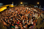 SAO PAULO, SP, 03.12.2013 - SHOW FRESNO - DIA INTERNACIONAL DA PESSOA COM DEFICIENCIA -  A Banda Fresno faz show no Memorial da America Latina em comemoraçãoao Dia Internacional da Pessoa com Deficiencia, nesta terça feira (03), com abertuda da Banda do Metro.  (Foto: Marcelo Brammer / Brazil Photo Press).
