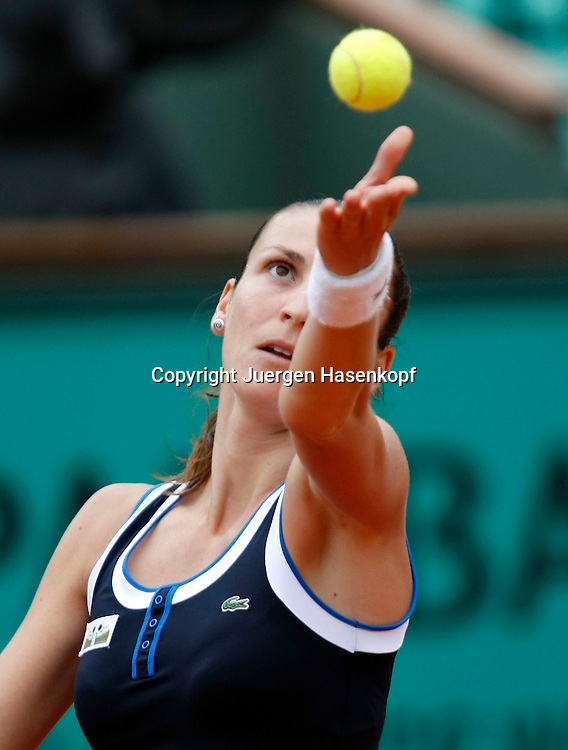 French Open 2010, Roland Garros, Paris, Frankreich,Sport, Tennis, ITF Grand Slam Tournament,  ..Arantxa Parra Santoja (ESP)..Foto: Juergen Hasenkopf..