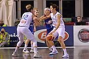 Raffaella Masciadri, Alessandra Formica<br /> EuroBasket Women 2017 Qualifying Round<br /> Italia - Gran Bretagna<br /> Lucca, 19/11/2016<br /> Foto Ciamillo - Castoria