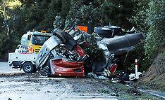 Auckland-Truck rolls on SH1 north of Puhoi